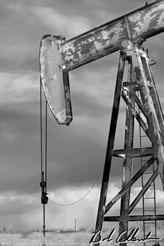 This artwork is created with a museum wrapped canvas Giclée and is produced in a limited edition. Made from an original photograph, captured by Bob Callender. This print is hand signed and numbered Oilfield Trash, Oilfield Wife, Pictures To Paint, Cool Pictures, Beautiful Pictures, Texas Oil Fields, Oil Rig Jobs, Diorama, Oil Platform