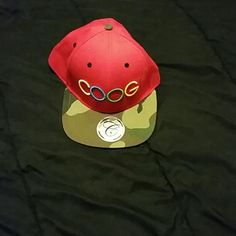 Coogi hat Camo and red snapback, worn once. COOGI Accessories Hats