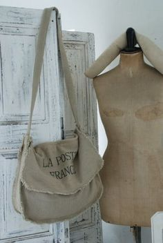 Reminds me of my Daddy's old army bag from WW2.  He used to take it dove hunting with him.  Do ya think anyone would rent it?