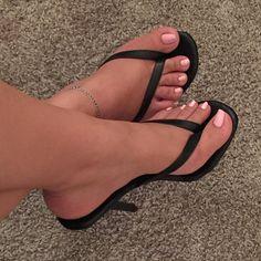 #yooying Open Toe High Heels, Hot High Heels, High Heels Stilettos, Pumps, Beautiful High Heels, Gorgeous Feet, Sexy Sandals, Bare Foot Sandals, Barefoot Girls