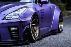 Nissan GTR body kit by AIMGAIN. Stunning gran touring style wide body kit for 2017 and up Nissan GTR Mustang Tuning, Car Tuning, Tuner Cars, Jdm Cars, Nissan Gtr R35 2017, Weird Cars, Crazy Cars, Cool C, Wide Body Kits