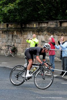 Peter Kavanagh - breaks away from the lead group of riders, but couldn't keep away and was eventually caught.