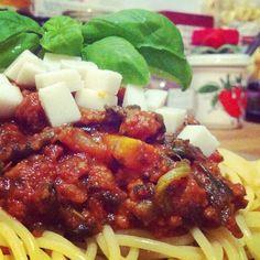 spaghetti with veggies and mozzarisella
