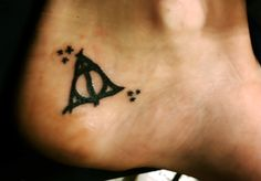 minus the stars, this is exactly the tattoo I would get.if I were to get a tattoo. but I've just considered a white one for UV. then it'd be like, a REAL invisibility cloak, 'cause it'd be invisible! Hp Tattoo, Get A Tattoo, Tattoo Pics, Tiny Tattoo, Tattoo Ideas, Harry Potter Tattoos, Literary Tattoos, Pretty Hurts, Cool Tats