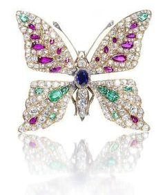 #Diamond #Emerald #Amethyst #Butterfly #Brooch #Pins #Jewellery #GoldBrooches