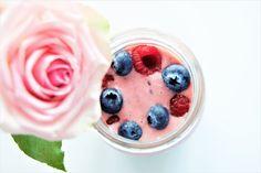 Saturday Mornings Smoothie Mix, Smoothie Recipes, Raspberry, Strawberry, Types Of Fruit, Frozen Strawberries, Saturday Morning, Black Coffee, Mornings