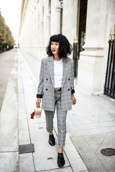Trending: How to Style a Plaid Blazer (And Which Ones to Shop!) Currently Trending: How to Style a Plaid Blazer (And Which Ones to Shop!)Currently Trending: How to Style a Plaid Blazer (And Which Ones to Shop! Fashion Mode, Tomboy Fashion, Work Fashion, Fashion Looks, Fashion Outfits, Womens Fashion, Fashion Trends, Trendy Fashion, Tomboy Style