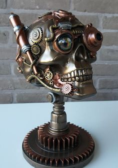 Hey, I found this really awesome Etsy listing at https://www.etsy.com/listing/277908828/steampunk-skull-design-object