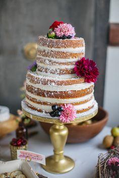 naked cake - Photography: Rachel Whyte - www.rachel-whyte.com