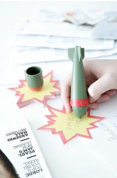 Kikkerland Missile Pen and Notepad (ST38)