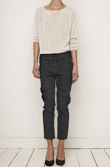 Causal top and cropped pants