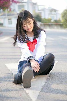 Cute School Uniforms, School Uniform Girls, Girls Uniforms, Cute Asian Girls, Cute Girls, Japan Outfit, Japanese School Uniform, Sailor Fashion, Kawaii