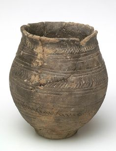 Back to Bronze Age (2200 - 700 BC) images            Title:  Early bronze-age ceramic beaker