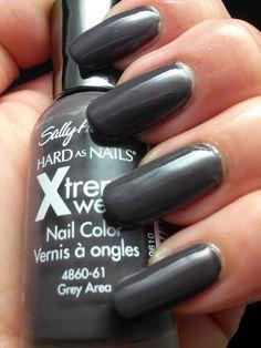Sally Hansen Xtreme Wear in Grey Area