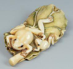 Japanese Ivory Netsuke, Frogs on lily pad