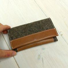IPHONE WALLET  folding case for cards  cognac leather & door ragznl, €40.00
