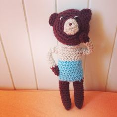 Friends for sale. Knitted toys. 12 cm Bear.
