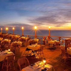 How to Choose a Suitable Venue for a Gala Banquet in the Cayman Islands.