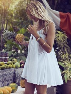 relaxed easygoing bohemian fashion and style, pretty dress