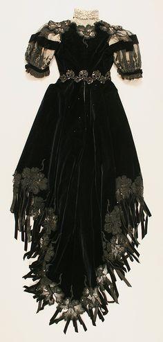 Dress Date: ca. 1901 Culture: French Medium: silk. Back