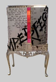 Lexi's guest post reminded me of Jimmie Martin! So I wanted to stick with the graffiti theme and show you this super cool furniture. And I also just love this dog cabinet. Art Furniture, Graffiti Furniture, Hand Painted Furniture, Funky Furniture, Upcycled Furniture, Unique Furniture, Furniture Makeover, Furniture Design, Painted Dressers