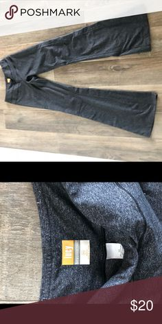 9e0fb61202e38 Lucy yoga pants XS Gray Lucy yoga pants Lucy Pants Boot Cut & Flare Lucy  Yoga
