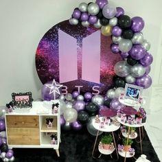 Elegant Birthday Cakes, Cute Birthday Cakes, Army's Birthday, Birthday Parties, Birthday Ideas, Balloon Decorations, Birthday Party Decorations, Bts Cake, Bts Birthdays