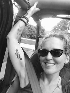Jeep Life - Dirty Jeep Tattoos - Ladies And The Jeeps Car Tattoos, Knuckle Tattoos, Body Art Tattoos, Sleeve Tattoos, Arabic Tattoos, Tatoos, Jeep Tattoo, Piercing Tattoo, Piercings