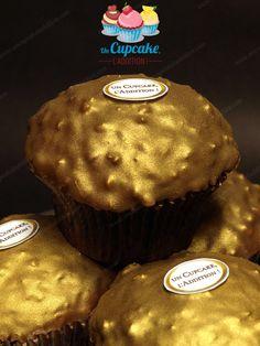 Cupcakes façon Ferrero Rocher® Gâteau praliné, cœur Nutella®/noisette entière et couverture croquante chocolat au lait / pralin.