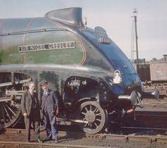 Diesel Locomotive, Steam Locomotive, Steam Trains Uk, Flying Scotsman, Working Men, Steam Railway, Steam Engine, Buses, Monster Trucks