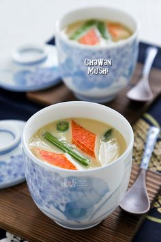Impress your friends with Chawan Mushi, a comforting and silky smooth Japanese egg custard steamed in a cup. It makes a lovely starter to any meal. | RotiNRice.com