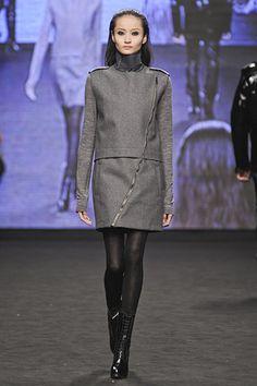 Love this whole futuristic vibe in grey wool, a very non-futuristic fabric.  #CostumeNational #MFW