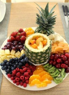 This looks sooo good I have to prepare a fruit platter JUST LIKE THIS at least once this summer! it's all in the presentation! This looks sooo good I have to prepare a fruit platter JUST LIKE THIS at least once this summer! it's all in the presentation! Fruit Recipes, Appetizer Recipes, Cooking Recipes, Healthy Recipes, Detox Recipes, Cooking Tips, Dessert Recipes, Party Food Platters, Party Trays