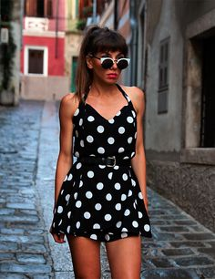 check my new pin-up style post with polka-dot jumpsuit: https://jointyicroissanty.blogspot.com/2016/10/262-days-to-summer.html