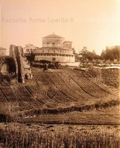 Old Pictures, Old Photos, Trieste, First Photo, Art History, Monument Valley, Rome, Castle, Villa