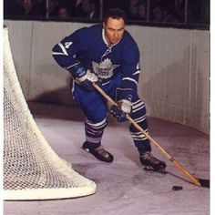 RED KELLY: Kelly was unique in that he played both center and defense, although it was his skill on the blue line that won him the first-ever Norris Trophy. - 100 greatest players in NHL history - October 2016 Hockey Shot, Ice Hockey, Mark Messier, Hockey Pictures, Hockey Rules, Wayne Gretzky, Nhl Jerseys, Vancouver Canucks, National Hockey League