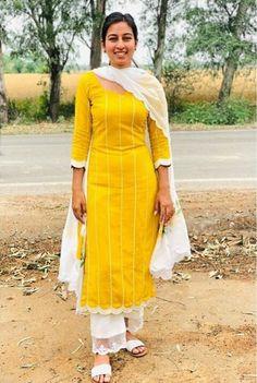 @manidrehar❤ Kurti Neck Designs, Kurta Designs Women, Kurti Designs Party Wear, Blouse Designs, Punjabi Suits Designer Boutique, Indian Designer Suits, Boutique Suits, Embroidery Suits Punjabi, Embroidery Suits Design