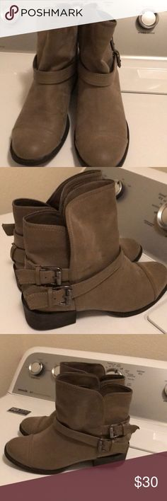 Women's boots size7,5 M Women's boots size7.5M very good condition never worn Rocket Dog Shoes Ankle Boots & Booties