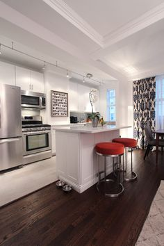 Ross's Cozy Modern Home in Midtown House Tour