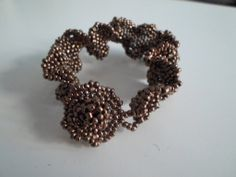 ruffled edges - metallic no-name seedbeds