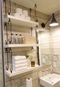 astuce rangement salle de bain- étagères suspendues par le plafond