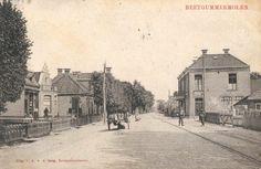 Een ansichtkaart (gestempeld in 1913) van Beetgumermolen, met links een hondenkar.