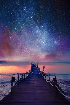 La tristeza de una persona jamás va a alcanzar las estrellas,la felicidad es más fuerte que la tristeza. #laFelicidadEsMasFuerte