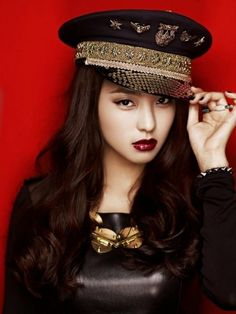 Sistar Bora, awesome hat