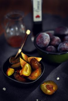 Cocina de Revista: RECETA BUNDT CAKE DE CIRUELAS MORADAS/bundt cake recipe purple plums, food styling, photo styling, cooking magazine blog