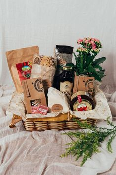 Food Gift Baskets, Wine Baskets, Happiness Box, Breakfast Basket, Cheese Brands, Asian Cake, Diy Gift Box, Diy Presents, Gift Store