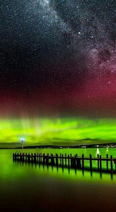 59 Pictures of the Northern Lights and Aurora Australis . Beautiful Sky, Beautiful Places, Ciel Nocturne, Am Meer, Natural Phenomena, To Infinity And Beyond, Milky Way, Night Skies, Alaska