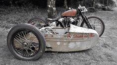 Harley-Davidson Knucklehead with sidecar Motorcycle Wheels, Motorcycle Engine, Bobber Motorcycle, Cool Motorcycles, Vintage Motorcycles, Motorcycle Types, Motorcycle Girls, Harley Davidson Engines, Harley Davidson Knucklehead