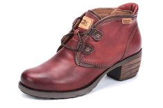 Pikolinos Le Mans in Arcilla. Yes please to my favorite boots in red.
