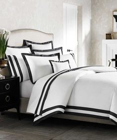 Kassatex Luxury Black and White Duvet Cover Black and White Duvet Cover: Amalfi Italian-Made Duvet Cover: Indulge in the exceptional quality and beauty of the Kassatex Amalfi Duvet Cover. This bedding is made in Italy using premier 100% Egyptian cotton for the ultimate in crisp, yet soft comfort and features a double line border for sleek, Hence a Marvelous time! AWESOMENESS